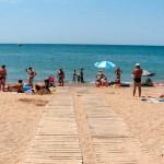 Проход к морю на базе отдыха Прибой